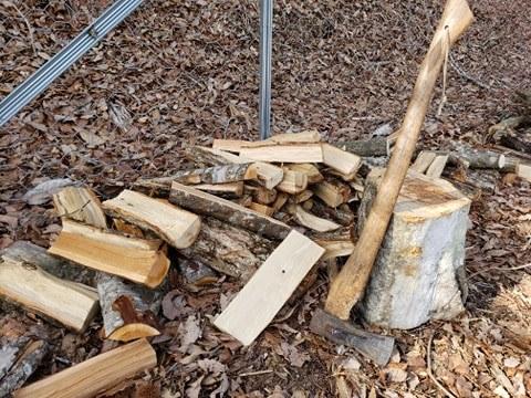 池田農園で薪割りを体験しよう!