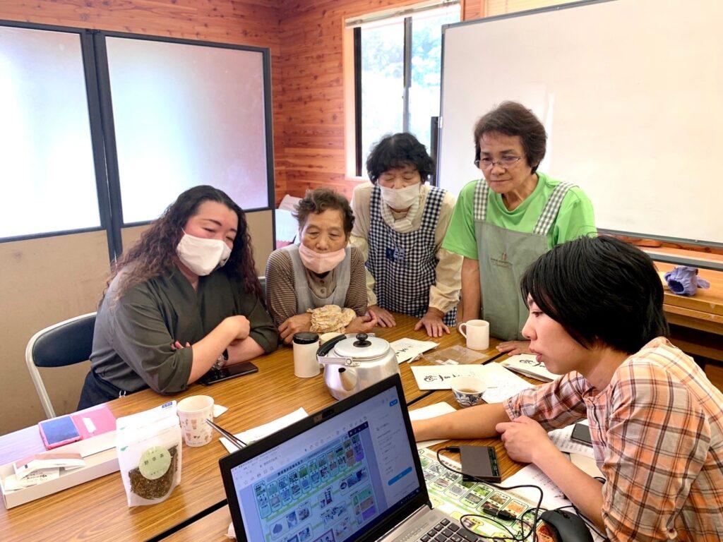 かわい野草茶研究グループメンバーも大感激✨リーフレットを全国にお届けします!
